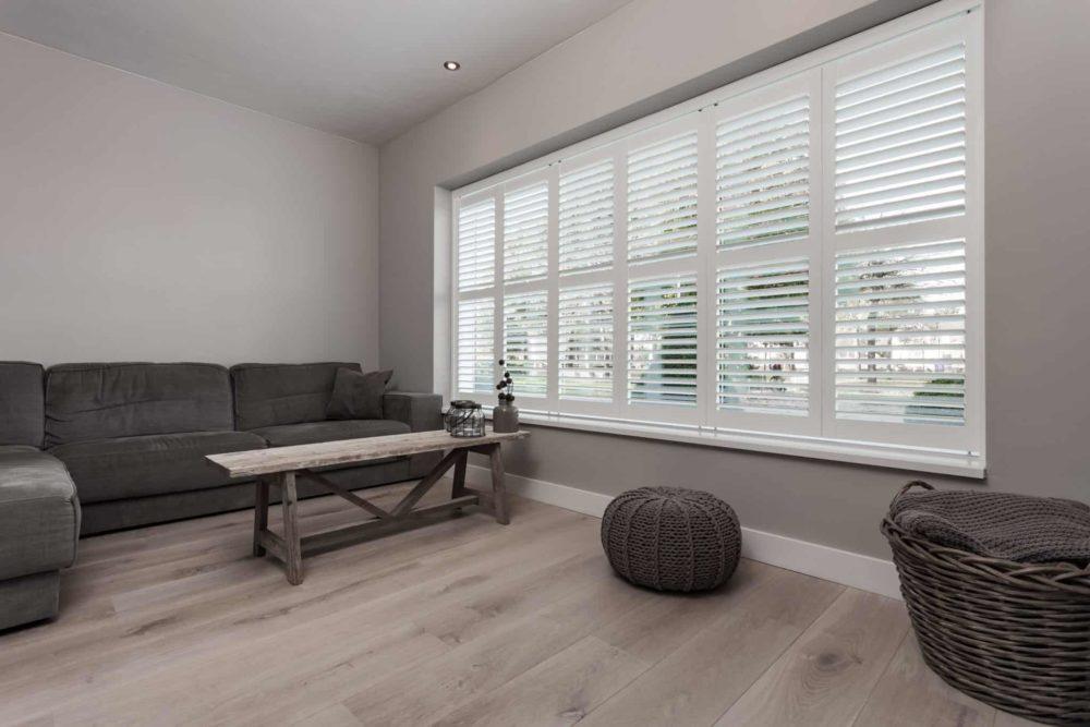De voordelen van shutters als raamdecoratie u woonaanbeveling