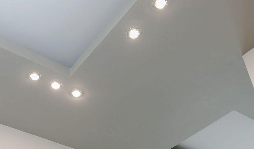 Led inbouwspots in een verlaagd plafond